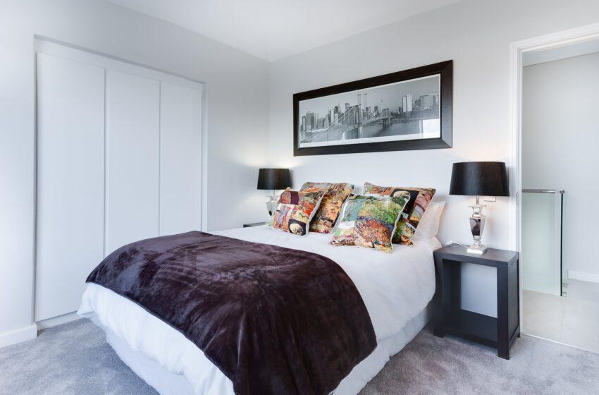 Hoe blijft de slaapkamer koel tijdens warme zomerdagen?